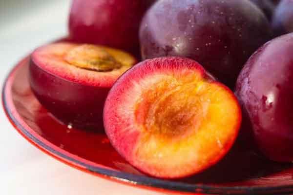 """Tes Kosakata Nama """"Buah-buahan"""" dalam Bahasa Korea - buah plum image"""