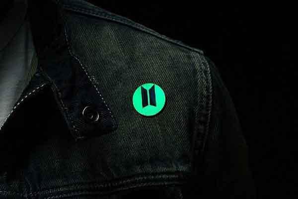 Tebak Logo dan Nama Grup K-Pop - logo bts band kpop badges pin image