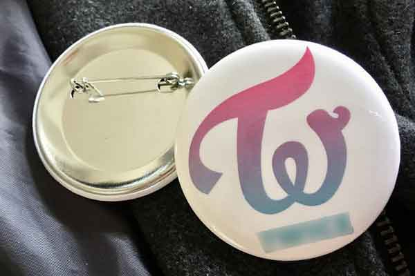 quiz kpop logo band twice pinback button badges wallpaper img