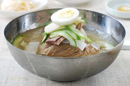 [Kuis] Tebak Gambar Nama Makanan Khas Korea Selatan - naengmyeon mie dingin korea image