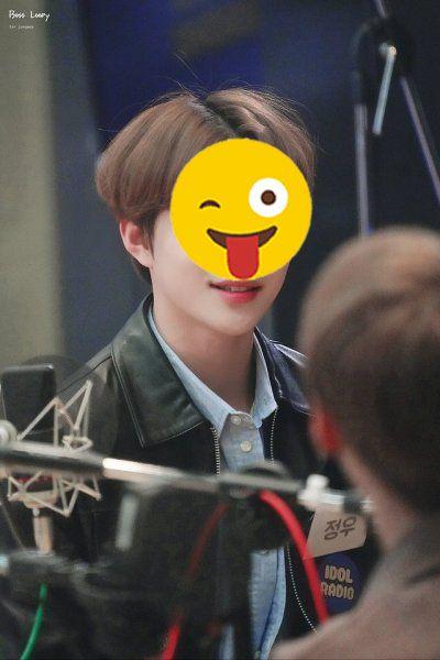 foto Kim-Jung-woo-jungwoo-nct-emoji