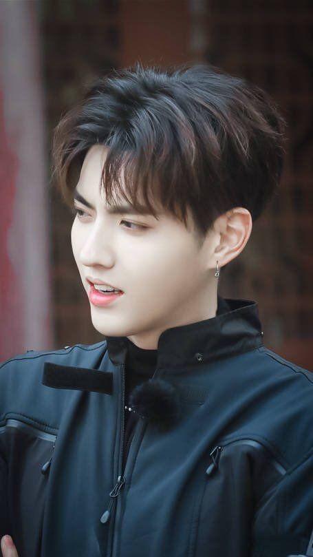 """Kuis Tebak Wajah Kpop """"EXO"""": Kamu Bisa? - Wu Yifan kris wu image"""