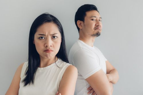 pasangan korea sedang marah image