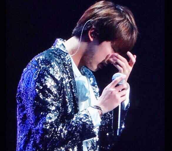 kpop quiz tebak wajah bts foto jin on stage img