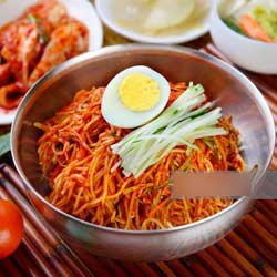 makanan korea favorit member bts mie jjolmyeon jpg
