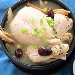 makanan khas korea soup ayam samgyetang img